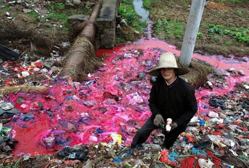 Polluted-river-China-by-Fashion-Industry